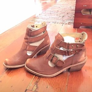 Anthropologie Latigo strappy booties 8.5 Brand New